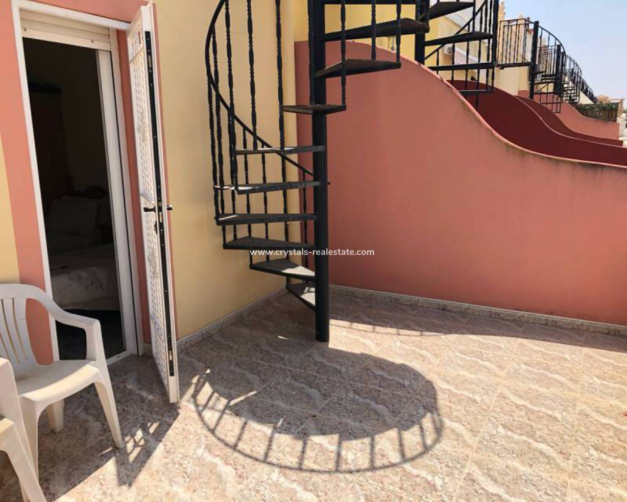 Resale - Townhouse - Lo Crispin